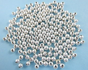 200pcs 4mm Round Bright Silver Plated Beads Lightweight (F1791)