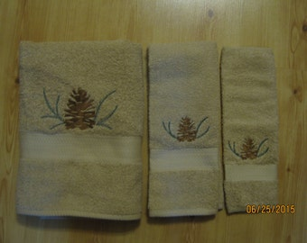 Pinecone & Sprig  3 Piece Towel Set