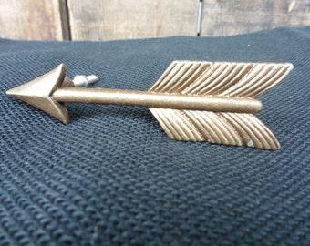 Gold Metal Arrow Handle Knob - Decorative Dresser Drawer Pull - Home Cabin Decor