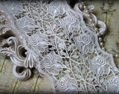 Tresors Ivory Venice Lace Trim, Beautiful Vintage Ivory Color, Lace Appliques, Bridal Gowns, Couture Gowns, Dresses, Crafting GL-309