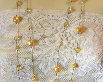 Vintage yellow baroque pearl confetti lamp work glass beads long necklace