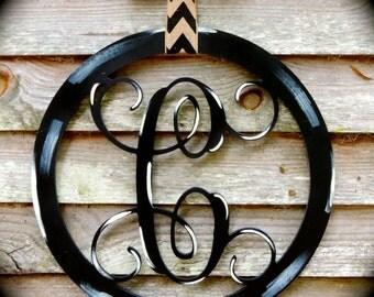 "24"" Wooden Vine Font Letter with Circle Frame"