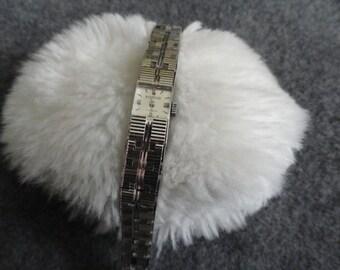 14k Gold Filled Pomar 17 Jewels Ladies Vintage Wind Up Watch