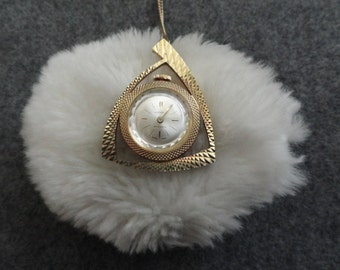Swiss Made Lucerno Wind Up Necklace Pendant Watch