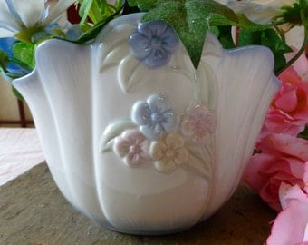 Vintage Especially For You FTD Floral Planter, Vase, or Jardinière ...Made in Taiwan... Excellent Condition