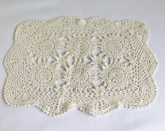 Vintage Crochet Doilly, Handmade Vintage Flower Doilly