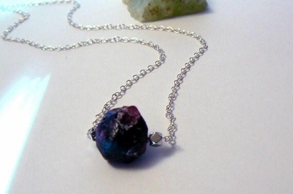 Red raw garnet gemstone necklace- Rough garnet sterling silver necklace-Necklace women gift- Dainty garnet necklace-Trendy fashion jewelry