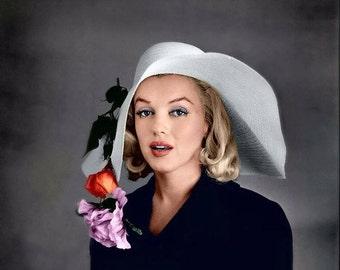 Marilyn Monroe - Marilyn in a big floppy hat.