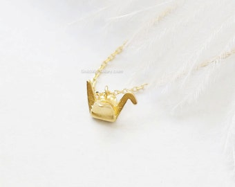 Gold origami crane necklace...3d crane necklace, bird necklace, dainty necklace, everyday, simple, birthday gift, wedding, bridesmaid gifts