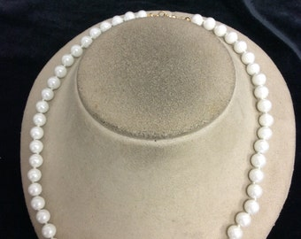 Vintage Signed Wlind 14K Gold Plated White Glass Beaded Necklace Set