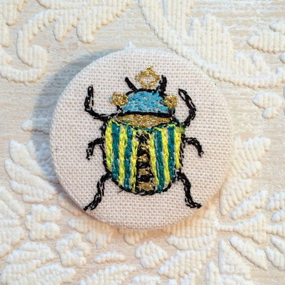 Beetle badge- linen- stitched