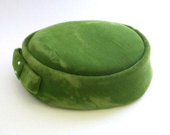 Vintage Pillbox Hat, Green Pillbox Hat, Green Hat, Green Velvet Hat, Velvet Pillbox Hat, Pillbox Hat, Green Pillbox, Green Wedding, Green