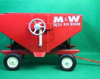 Scarce Vintage 1976 Ertl 1:16 Scale M & W Little Red Wagon Farm Vehicle Advertising  Display Model