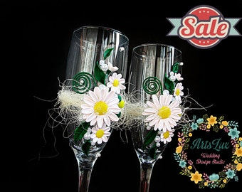 SALE -15% OFF Daisy Weddings -Spring-summer Wedding champagne glasses Tender daisies-Flower wedding flutes -Wedding Favor-Wedding glass-Gift