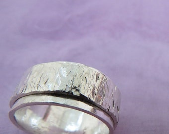 Sterling Silver Ring Size 'R' (8 5/8)  (8)