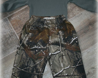 Realtree Camo Pants for boys in infant and toddler sizes from Keepers at Home