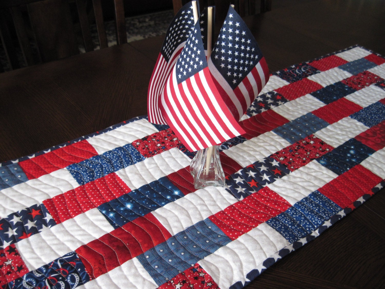 red white and blue table runner. Black Bedroom Furniture Sets. Home Design Ideas
