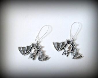 Silver bat earring-bat dangle earring-vampire bat earring-gothic eatting