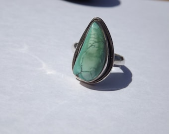 Vintage Sterling Silver and turquoise southwestern ring sz 8