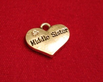"5pc ""Middle sister"" charms in antique silver style (BC658)"