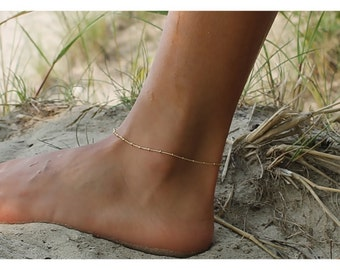 gold anklet bracelet • gold anklet bracelet • gold filled bracelet • satellite anklet • anklet bead bracelet • beaucoupdebead • B005