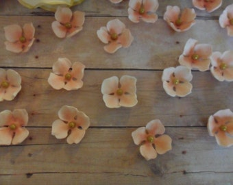 Sugar Hydrangea ~ Edible Hydrangea ~ Wedding Cake ~ Wedding Cake Toppers ~ Edible Flowers ~ Filler Flowers