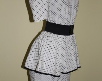 NEVER WORN! Deadstock! 1970s 80s 40s Style Size 9 Medium Black White Peplum Polka Dot Dress matching black stretchy Belt