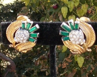 Trifari Emerald Green and Clear Rhinestone clip Earrings from the 70's