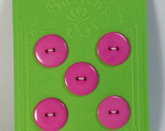 5 Buttons in resin 22mm 2 holes fuxia.