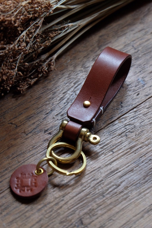 Leather Keychain With Shackle Brass Lanyard Belt Keychain