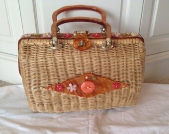 Vintage Wicker and lucite purse, 50s floral handbag, spring and summer purse