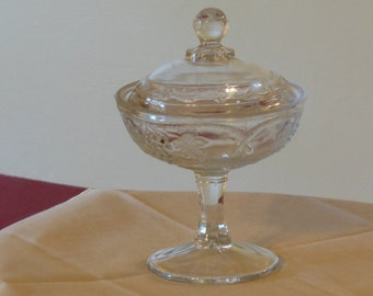 Grapes, Leaves, & Vines Etched Crystal Candy Dish with Lid