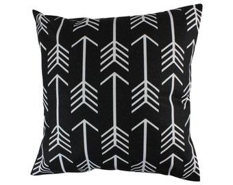 Black and White Arrow Decorative Throw Pillow  Cover Tribal Pillow Arrow Pillow Zippered Pillow Arrow Couch Pillow Tribal Arrow Throw Pillow