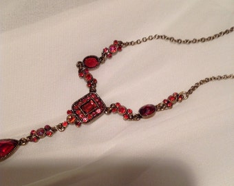 Beautiful ruby red vintage necklace