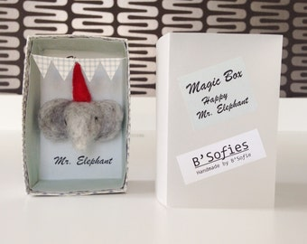 Miniature paper box with happy needle felting olifanthoofdje in party mood-Magic circus box: Mr. happy elephant-Ready to ship