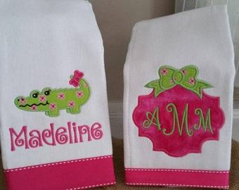 Alligator Burp Cloth, Burp cloth,monogrammed burp cloth, Baby Girl,Shower gift, Burp cloth