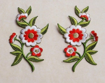 Red and white flowers applique set of 2