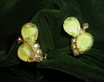 Vintage Art Glass Clip On Earrings