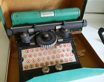 1930's American Flyer children's typewriter / learning tool in original box