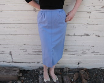 Wool Skirt. Pendleton Pencil Skirt. Midi Skirt. Pleats. Light Blue/Purple. Size 6. 1960s. 100% Wool. Preppy Classic Skirt. Mod Color. Violet