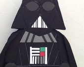Darth Vader pinata. Inspired Darth Vader. Star wars pinata. Star wars birthday Party. Star wars Party decoration. Star wars piñatas.