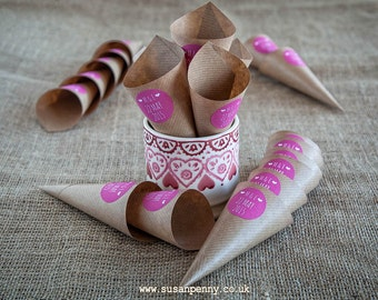 Confetti Cones, Personalised Kraft Cones, Rustic Wedding, Confetti Holders, Wedding Petal Cones  (96 cones) -  WED012