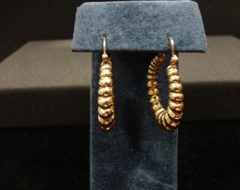 Beautiful 14k Yellow Gold Ribbed Hoop Pierced Earrings