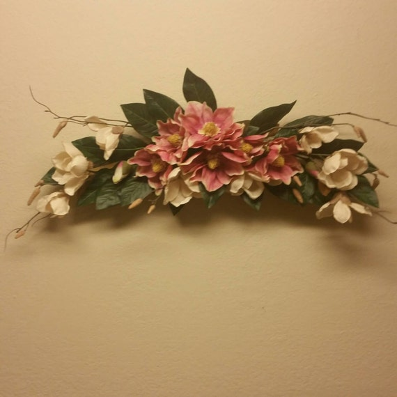Silk floral wall swag pink and cream floral arrangement for Wall decor arrangements