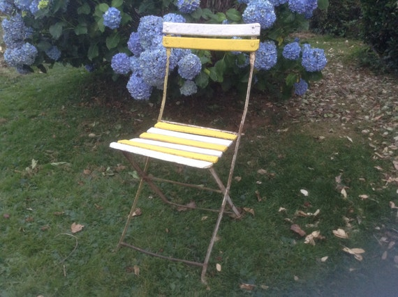 RUSTIC Vintage French Garden / Patio / Bistro Chair