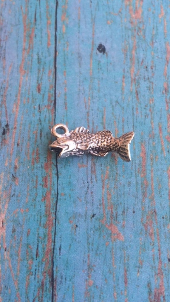 Bass fish charm 3d silver plated pewter 1 by kimsfancyfindings for Silver bass fish