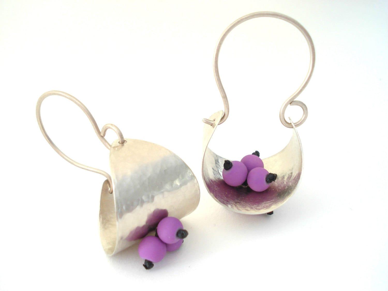 hammered silver hoop basket earrings silver modern purple