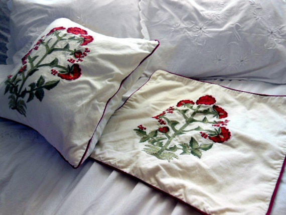 vintage Pottery Barn throw pillow covers. 18x18 pair of