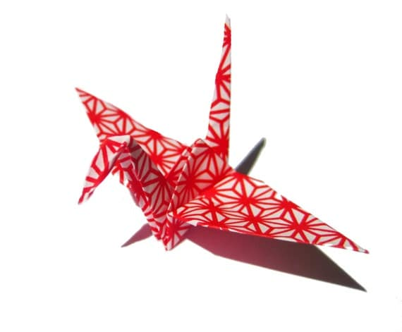 red origami paper Easy paper boomerangs - these are so fun to make and even better to play with suprising and amazing how well this diy paper toy actually works see us play.