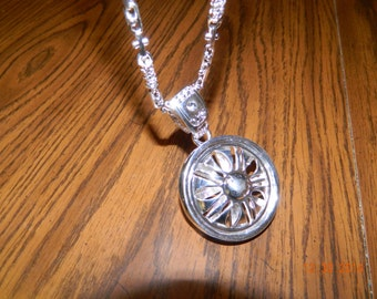 MIP-Silver Tone Car Rim SPINNER pendant w/ matching 30 inch hip hop chain - style #3
